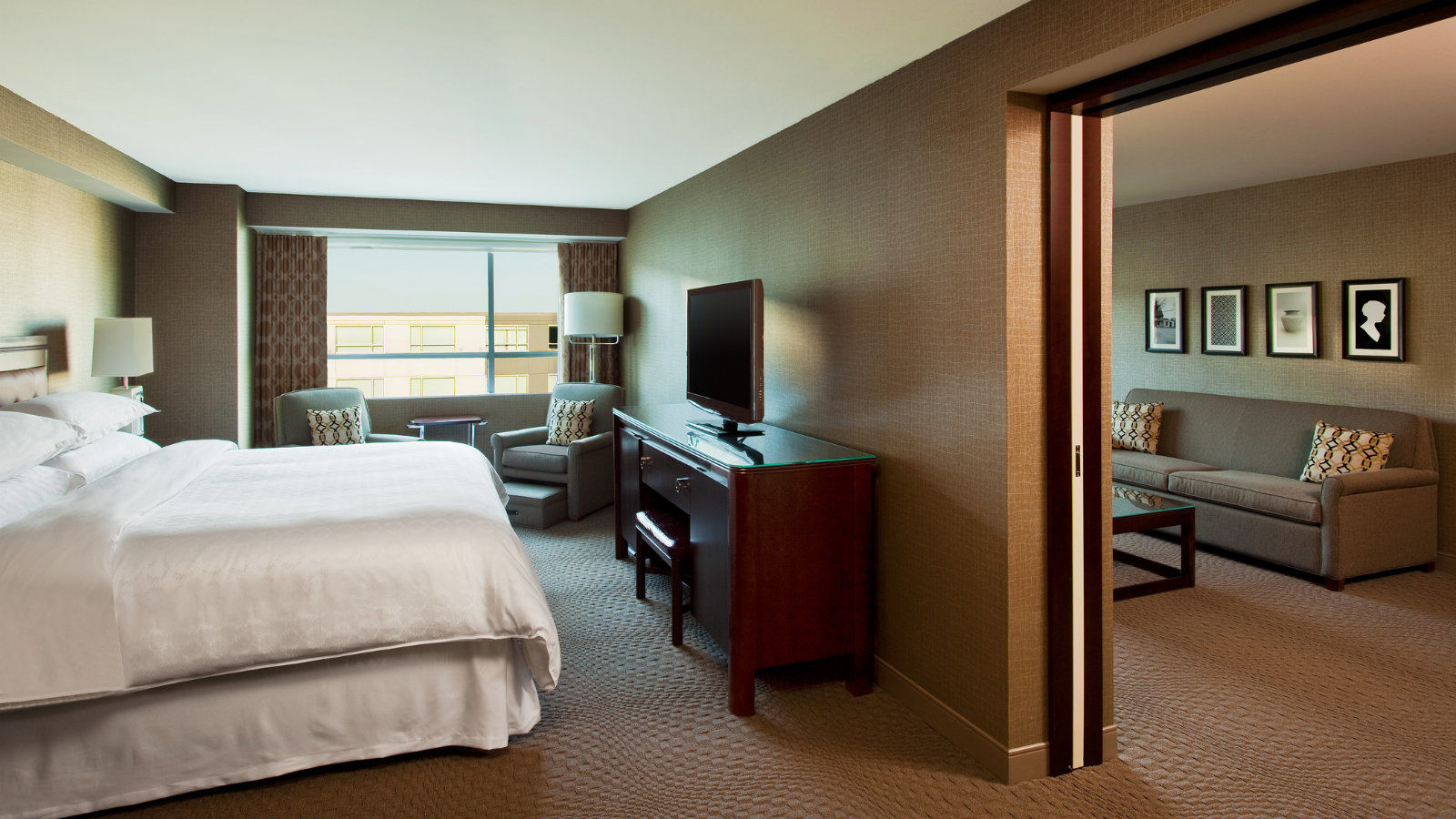 Executive Suite | Sheraton Valley Forge Hotel